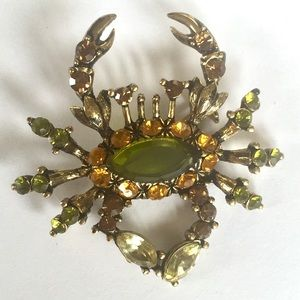 Gorgeous crab brooch pin. Green and gold colors
